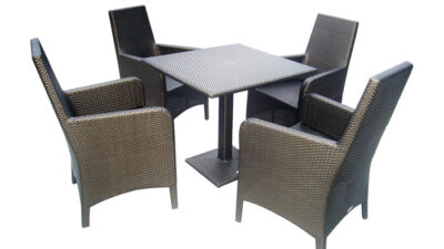 Altezza Dining Set